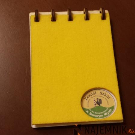 Notes ze sklejki i filcu
